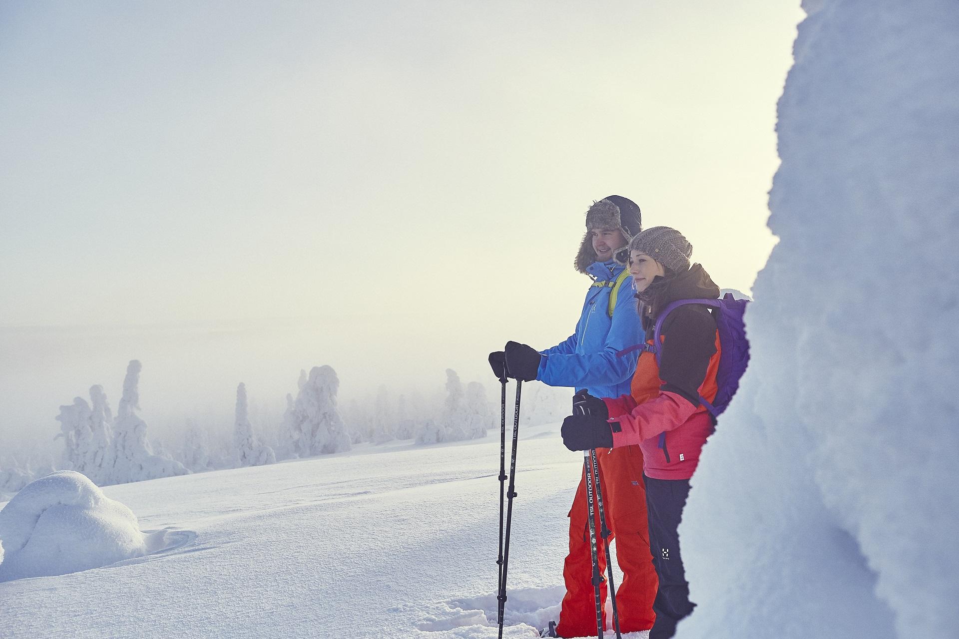 Auf Schneeschuh Entdeckungstour